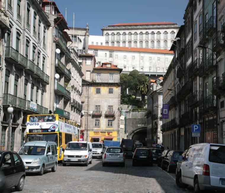 Rua Infante Dom Henrique
